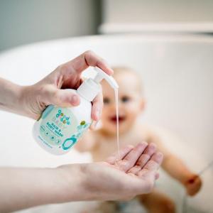 Sữa tắm gội GoodBubble hương lô hội