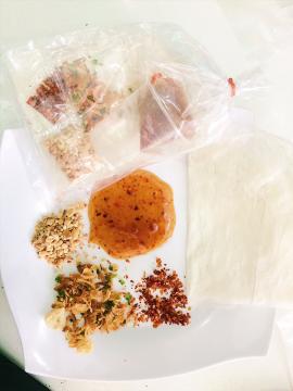 Bánh tráng sốt mắm me - Đặc sản Tây Ninh